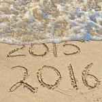 nouvelle-année-sur-le-bord-de-la-mer-44071793